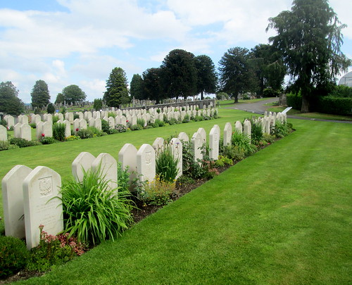 Perth, Polish War Graves, Jeanfield and Wellshill Cemetery