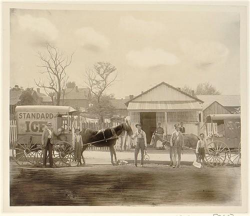 Horse-drawn ice wagon (LOC)
