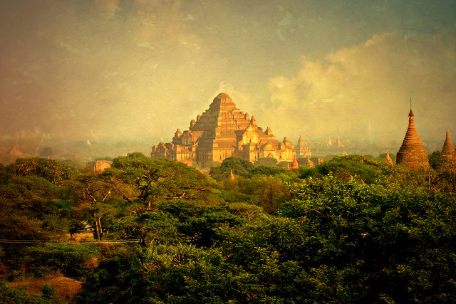 MYANMAR,Burma - Old-Bagan, Blick von einer Pagode auf die umliegenden Tempel und Pagoden, 78494/20091