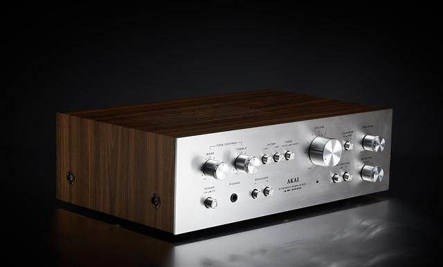 Akai AM-2200 Vintage Stereo Tuner