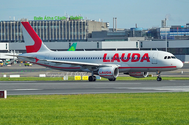 Airbus A320-214 9H-LMJ Lauda