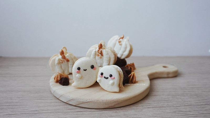 Halloween Macarons with Peanut Buttercream