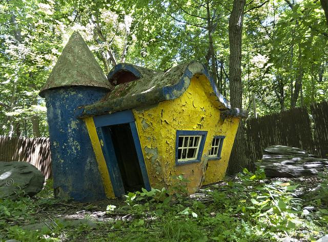 Yellow house IMG_5199