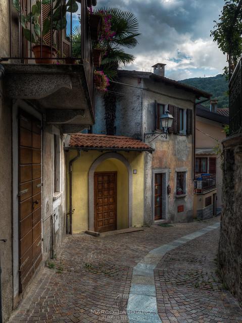 Through the alleys of Baveno