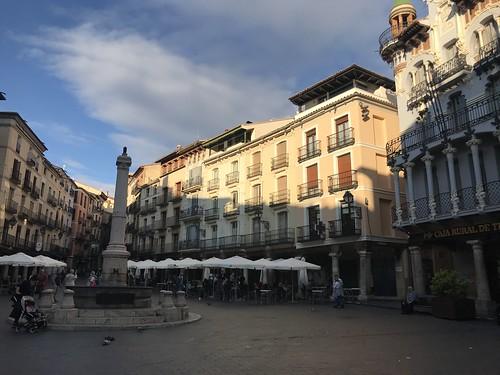 Plaza del Torico, Teruel, en otoño