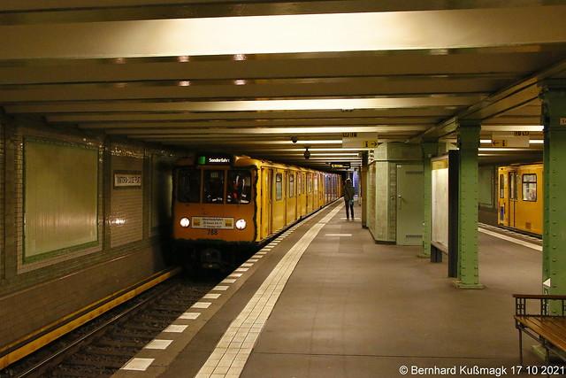 Europa, Deutschland, Berlin, Tempelhof-Schöneberg, Schöneberg, U-Bahnhof Viktoria-Luise-Platz, U-Bahn-Linie U4, Abschiedsfahrt Bauart A3L 71
