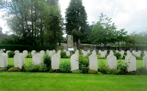 Polish War Graves, Jeanfield and Wellshill Cemetery, Perth