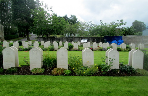 Jeanfield and Wellshill Cemetery, Perth, Polish War Graves
