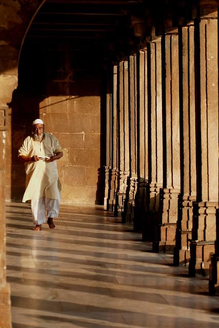 Scène de mosquée / Mosque scene 2