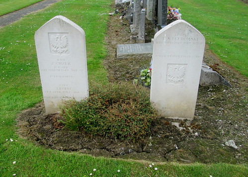 Three Polish War Graves, Jeanfield and Wellshill Cemetery, Perth