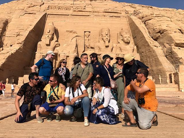 El grupo del viaje de autor a Egipto en Abu Simbel