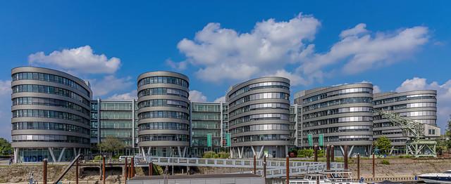 Duisburg Innenhafen...jetzt mal mit Farbe