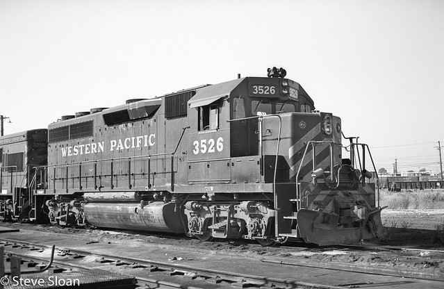 WP GP40 3526 in Oakland