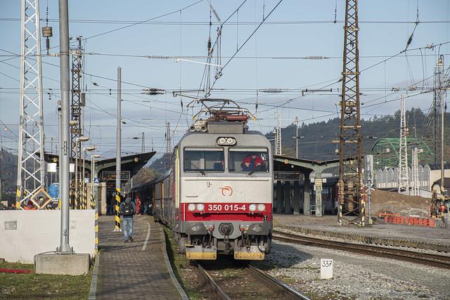 Žilinská stanica pomaly mení svoj vzhľad na modernejší / The slowly changing to modern look