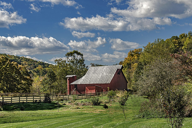 RedRed Barn and Silo