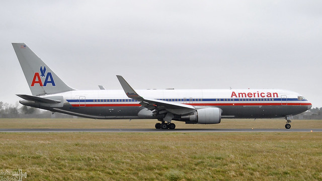 American Airlines 🇺🇸 Boeing 767-300 N353AA
