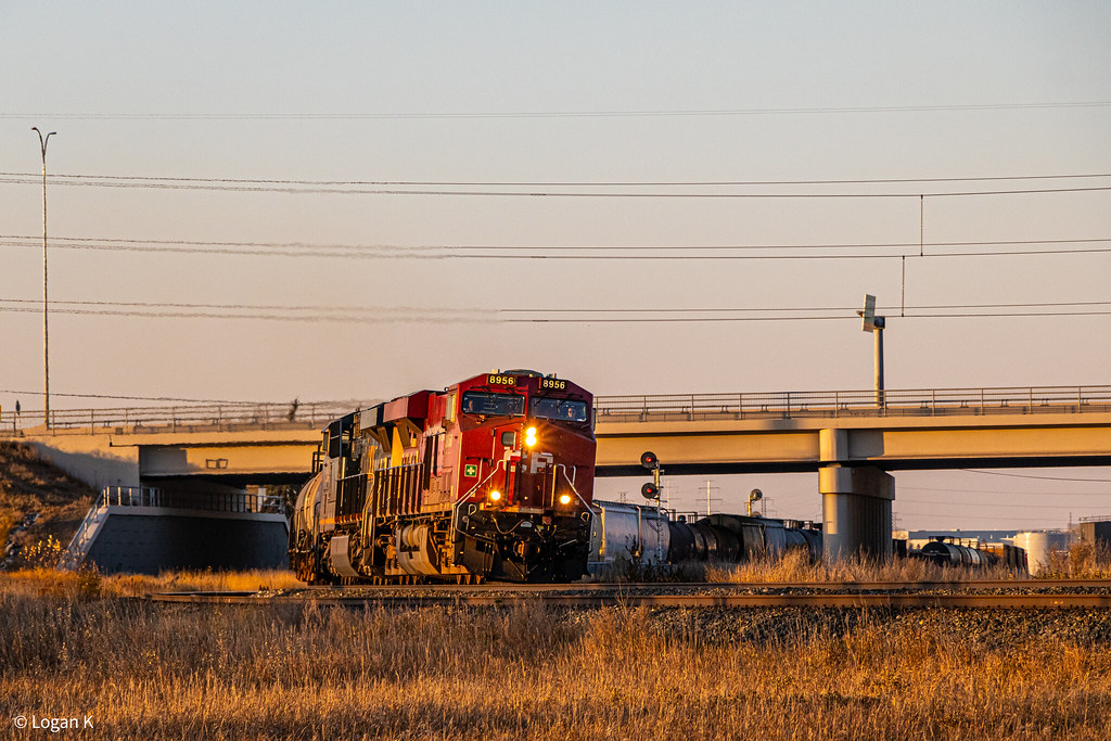 292 CP 8956 east at Glenmore