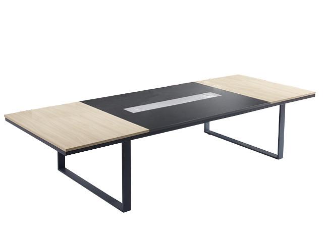 Graceful and Impressive Office Furniture