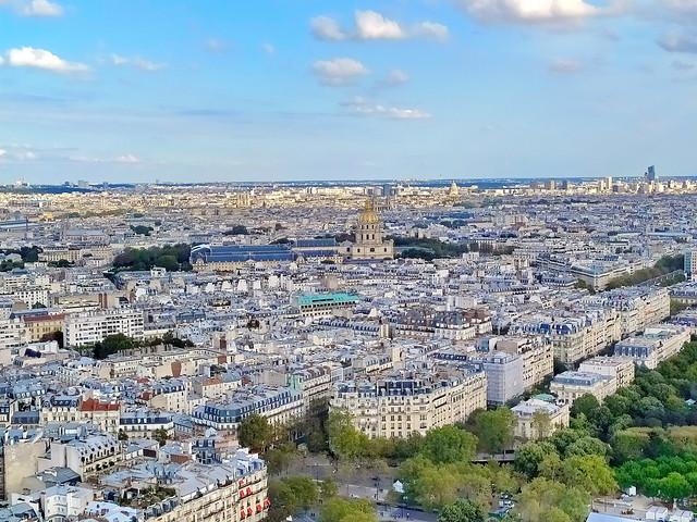 69 - Paris en Septembre 2021 - la vue sur Paris depuis la Tour Eiffel, dôme des Invalides