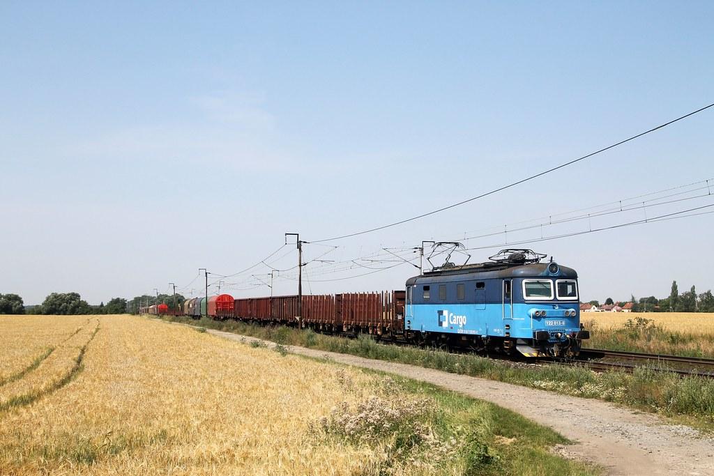 ČDC 122 002-8 bij Kamenné Zboží op 24 juli 2021