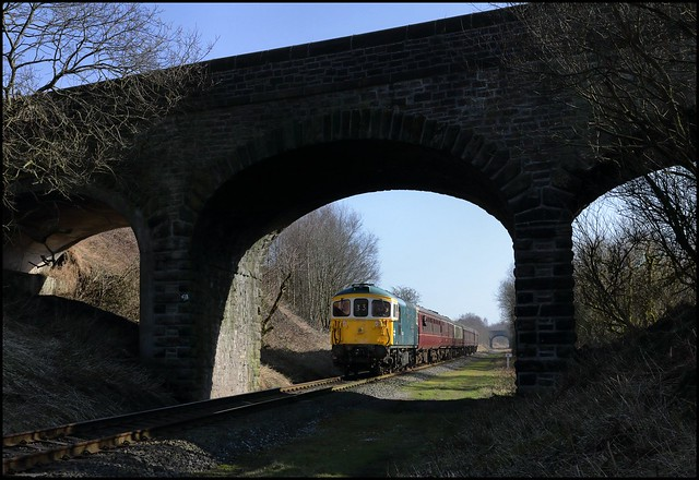 Heap Bridge, ELR, BRC&W 33109 (11.20 Heywood - Rawtenstall) 02/03/2013.