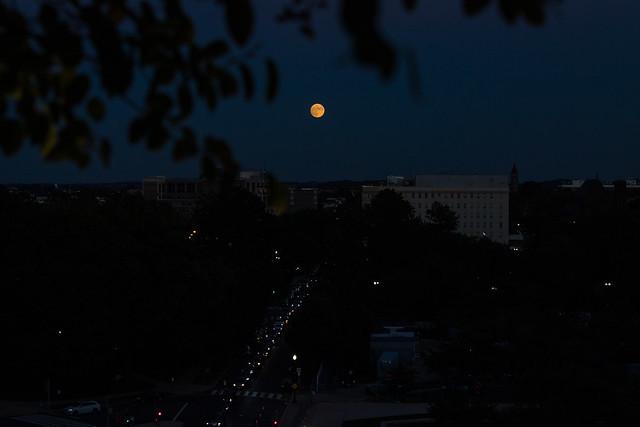 Moonrise Over Washington (NHQ202110190010)