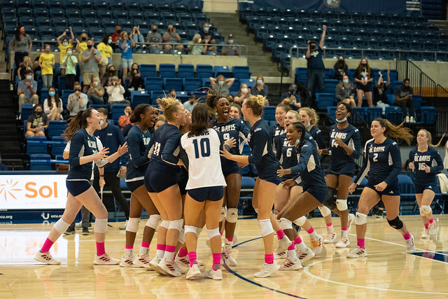 UCD Volley vs UCSB
