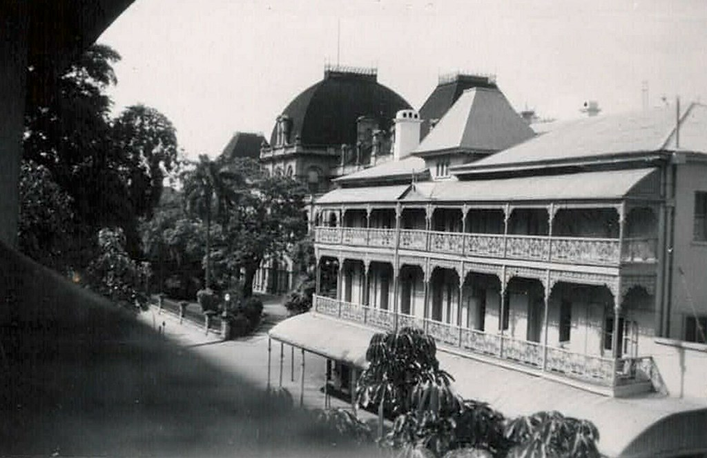 Bellevue Hotel (right) and Parliament House (left) in Brisbane, Qld - circa 1950 perhaps