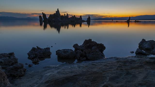 Tranquil Mono Lake_H9A2115