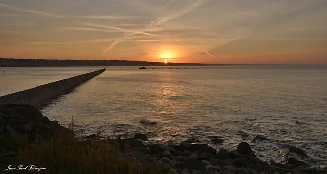 Sunrise Cap Sizun