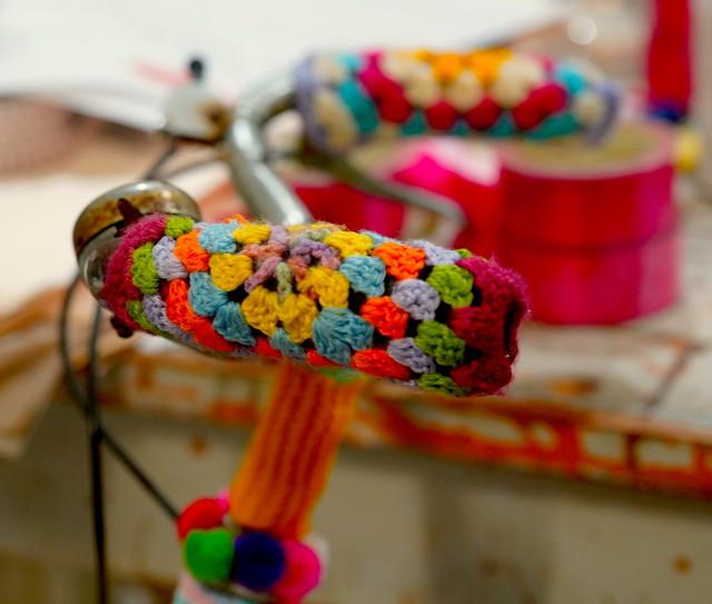 Knitted handlebar protectors
