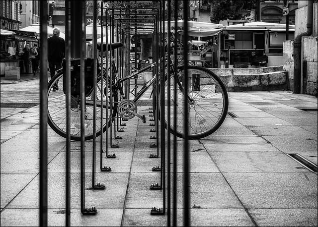 La solitude de la bicyclette... / The bicycle loneliness...