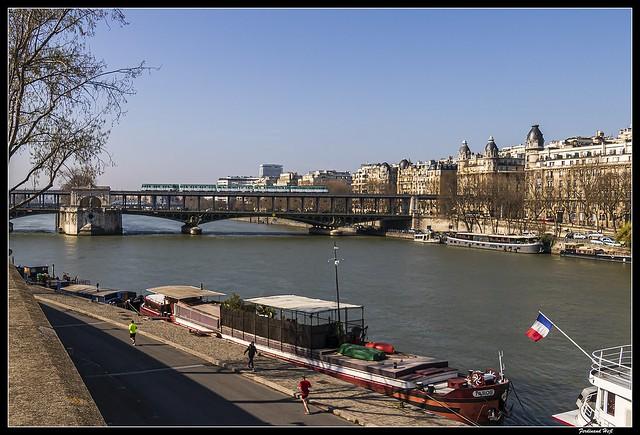 Paris_Paris_Avenue du Président Kennedy_Pont de Bir-Hakeim_16e arrondissement