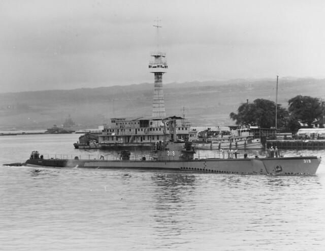 USS Becuna (SS-319)