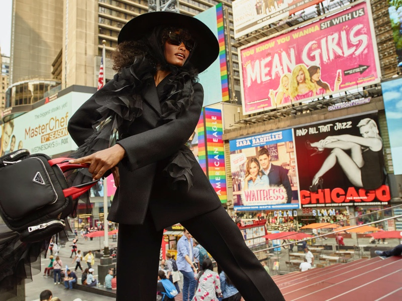 Melodie-Monrose-Times-Square-Editorial01