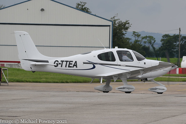 G-TTEA - 2017 build Cirrus SR20, taxiing for departure from Hawarden on a training detail