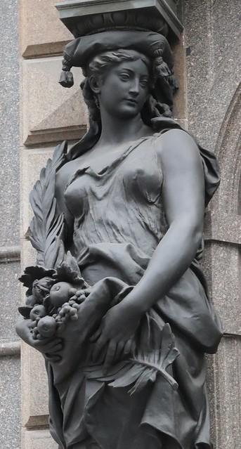 2 (22)..austria vienna statue