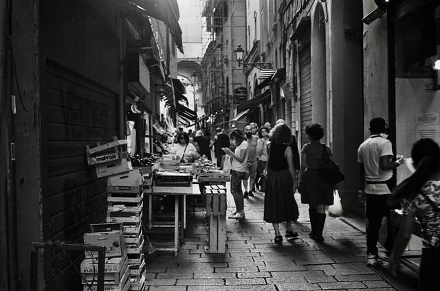 Bologna -mano nella mano