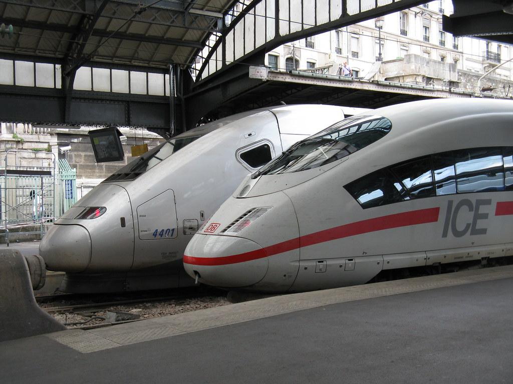Paris: SNCF and DB high-speed trains at the Gare d'Est (Paris 10e)