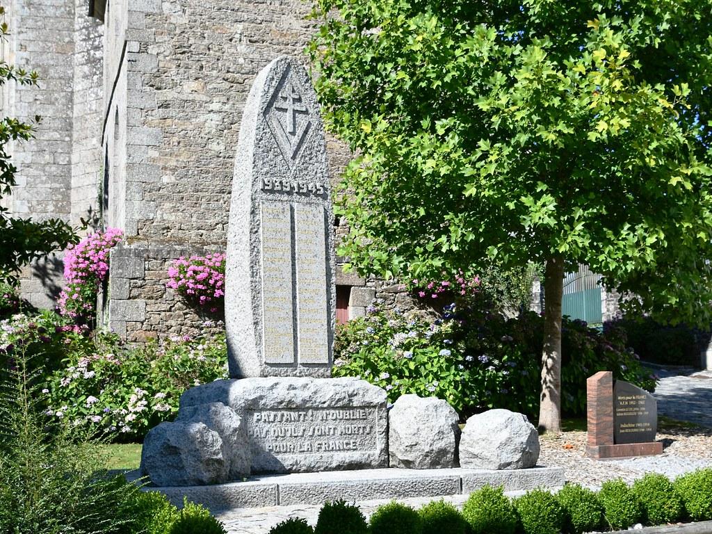 22-Saint Nicolas du Pélem 45