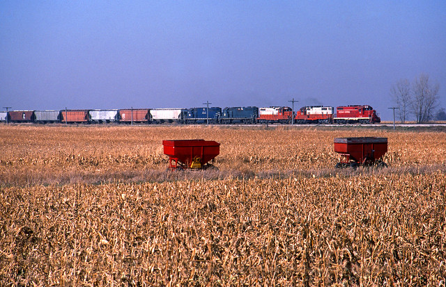 CCP 1743 East train no.50, Independence, Iowa; Oct 31, 1990.