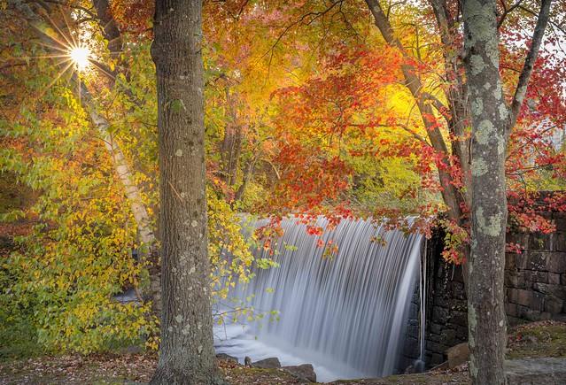 Manchaug Waterfall