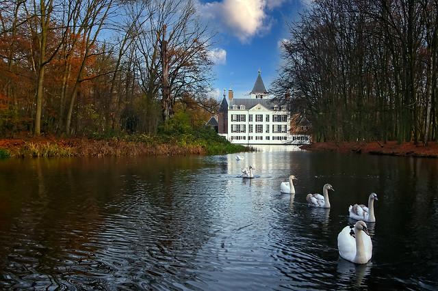 castle Renswoude in autumn