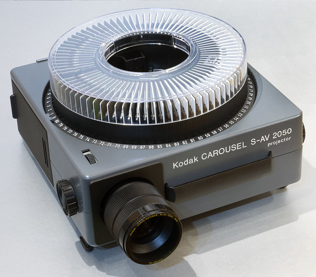 Kodak Carousel S-AV 2050 Slide Projector
