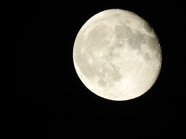 Waning gibbous Moon Phase 95.2% 16d 11h Meudon 2021 october 22