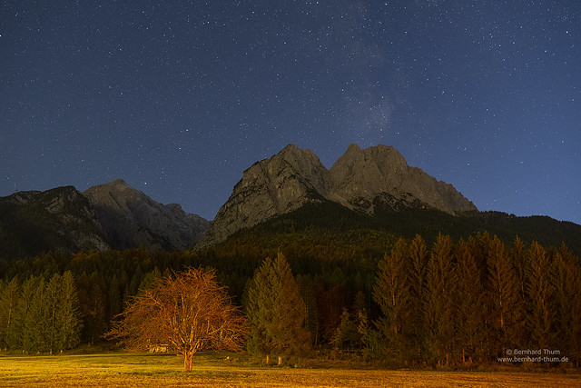 Starry night at Alpspitze and Waxenstein