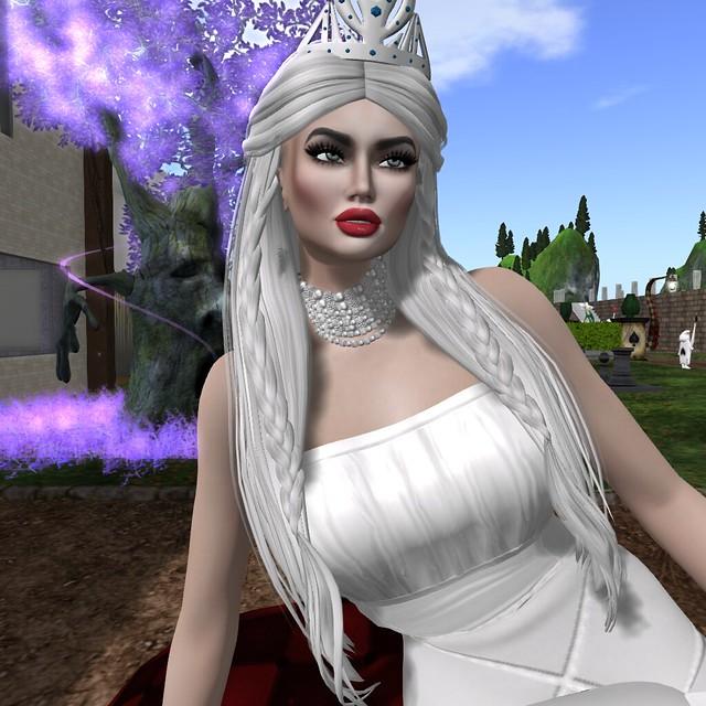 white Queen in wonderland
