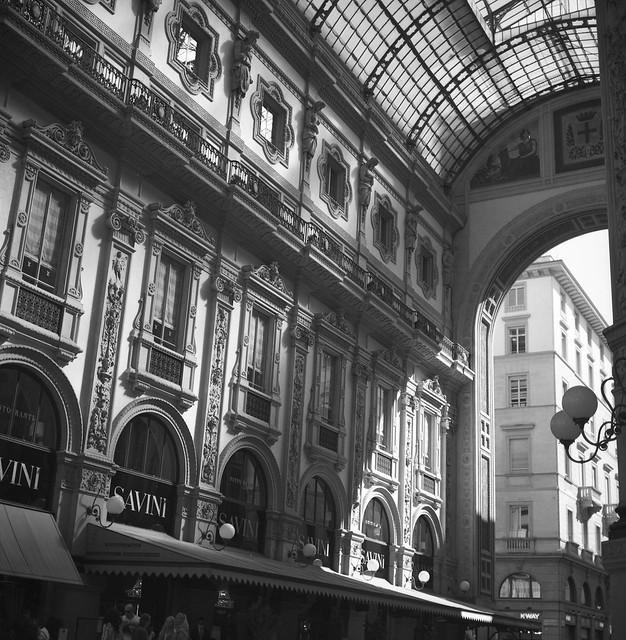 Milano by Rolleiflex & Ilford film