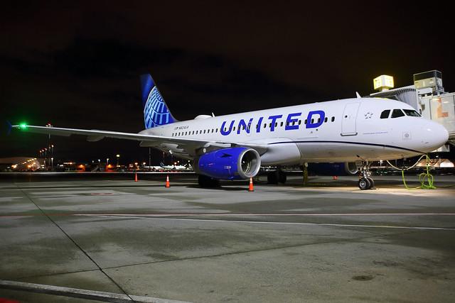 United_4024_N824UA