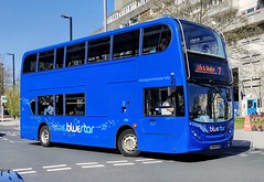 Bluestar 1254 is turning onto Blechynden Terrace from Wyndham Place while on route 7 to City & Sholing via Woolston. - LX56 ETR - 22nd April 2021